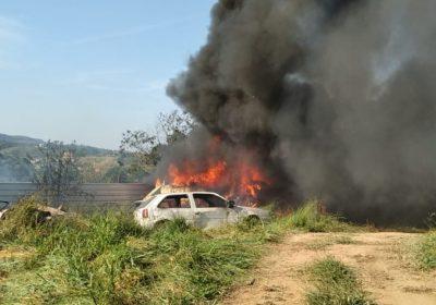 Incêndio atinge 37 veículos apreendidos no bairro Grama