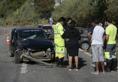 Duas pessoas ficam feridas em um acidente em Santos Dumont