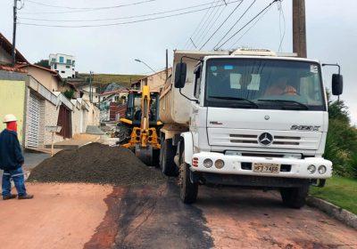 Cesama substitui mais 400 metros de redes de esgoto no Bom Clima