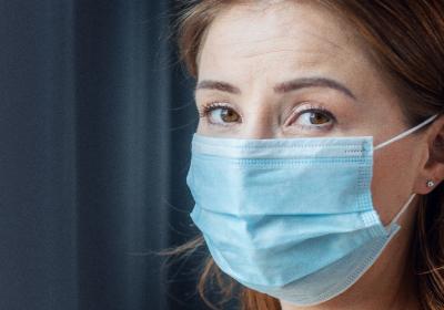 Inglaterra decreta o fim do uso obrigatório de máscaras