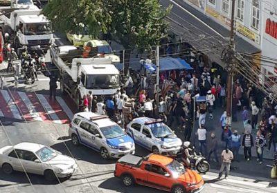 PJF realiza operação para combater a distribuição de mercadorias na rua