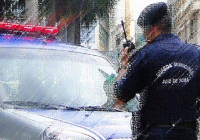 GM prende em flagrante homem que forçava vacinação fora de sua faixa etária