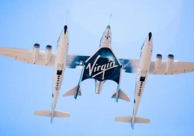 Virgin Galactic cumpre com sucesso seu primeiro voo espacial com passageiros a bordo